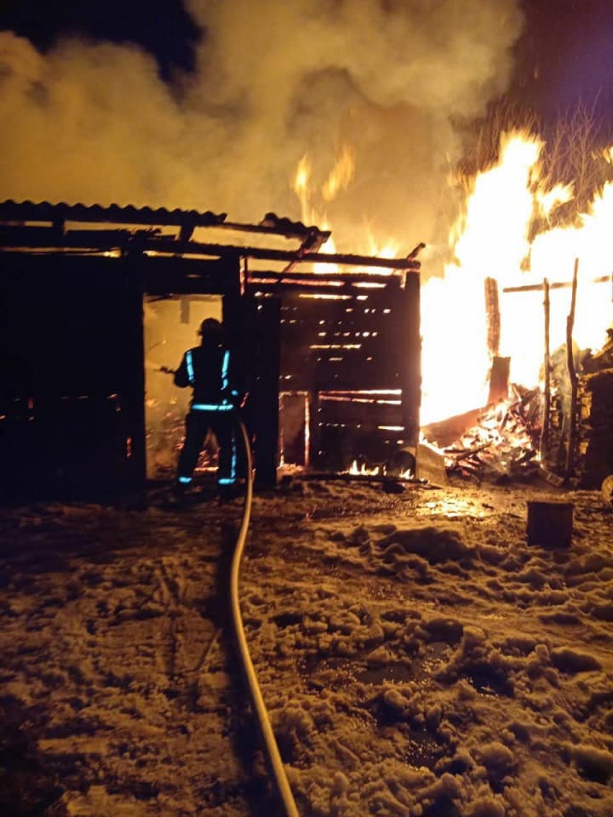 Рафалівські вогнеборці ліквідували пожежу у приватному господарстві