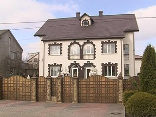 Будинок голови Рівненської ОДА Василя Берташа згорів?