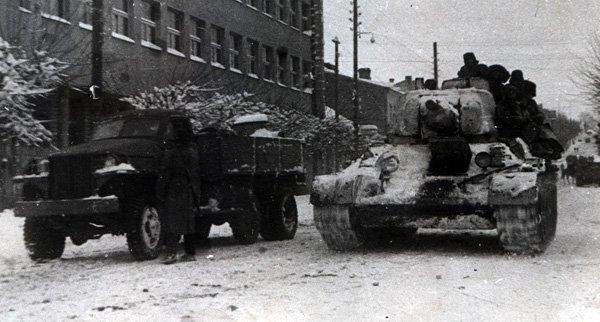 """Якою була наша рівненська """"дєрєвєнька"""" 1944?"""