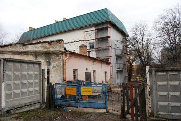 Вже завтра рівненські військові можуть повернути собі будинок, що плануєтьс ...
