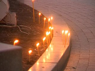 Біля пам`ятника Шевченку рівняни запалили свічки