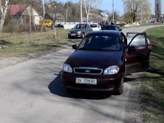 У Рівненському районі під колеса автомобіля потрапив 4-річний хлопчик