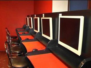 У Рівному викрили три зали гральних автоматів