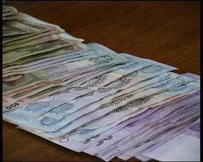 Рівнянка віддала вісім тисяч гривень псевдоміліціонерам і прийшла у міськвідділ міліції по сина