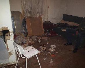 Рівненщина: коли мати спала, син з друзями «коловся» у сусідній кімнаті