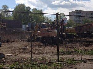 На повну потужність йде будівництво біля Пагорбу Слави у Рівному [ФОТО]