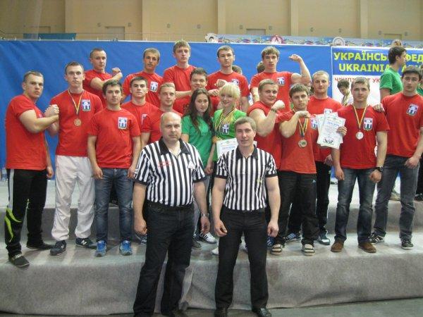 Рівненські армреслери привезли з Чемпіонату України шість медалей