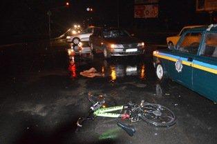У Рівному під колеса легковика потрапила 15-річна велосипедистка