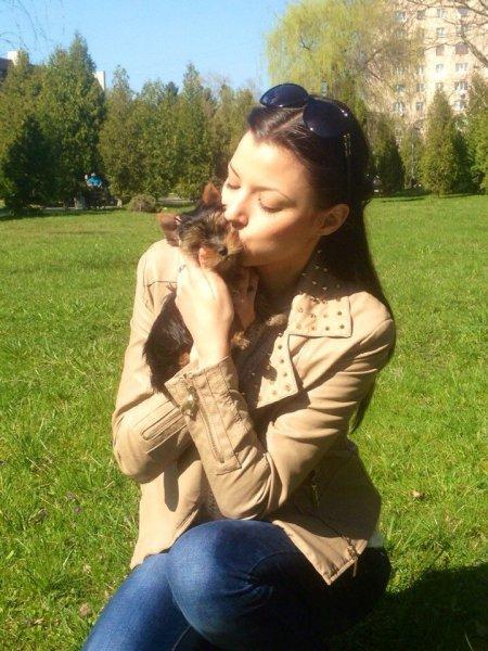 """Володарка титулу """"Міс Рівненщина - Медіа"""" Олена Опанасюк мріє стати мамою та збирається стрибнути з парашутом"""