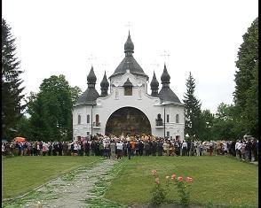 Тисячі українських патріотів приїхали вшанувати полеглих під Берестечком [ВІДЕО]