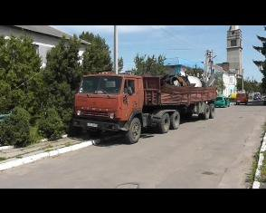 П'ятнадцять тон металу невідомого походження рівнянин перевозив  вантажівкою