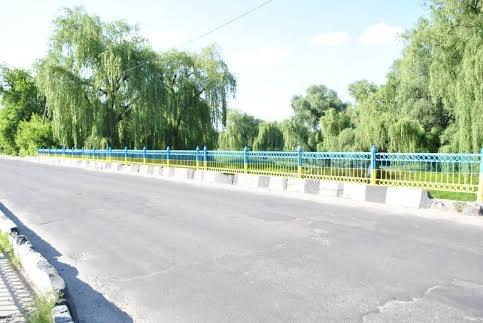 На Рівненщині з'явився ще один жовтоблакитний міст [ФОТО]