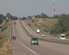 Водії дорогих іномарок є найчастішими порушниками на дорогах Рівненщини