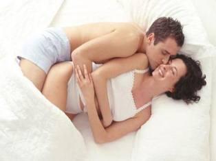 Выдео як займаються сексом з подушкою