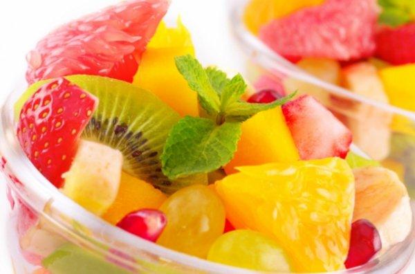 Фото фруктового салата с соком