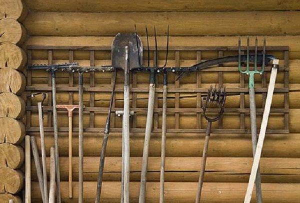Как сделать полки в сарае своими руками