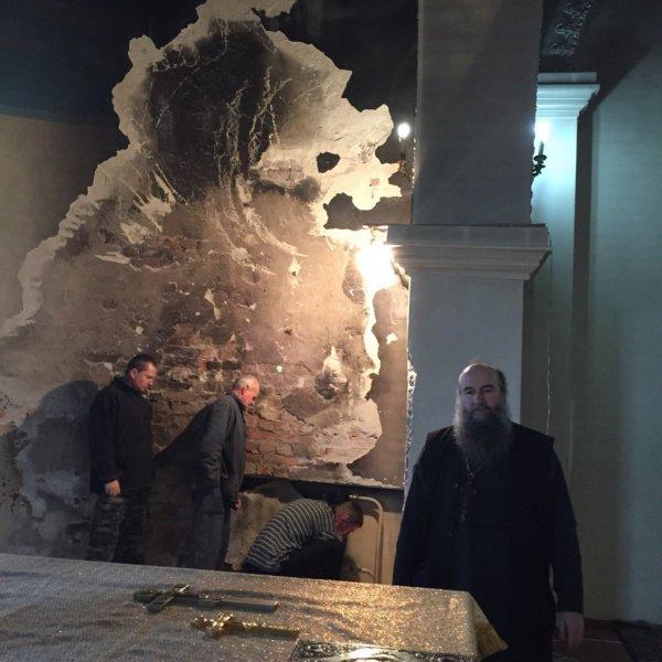 На Рівненщині вандали пограбували церкву (фото) - фото 3