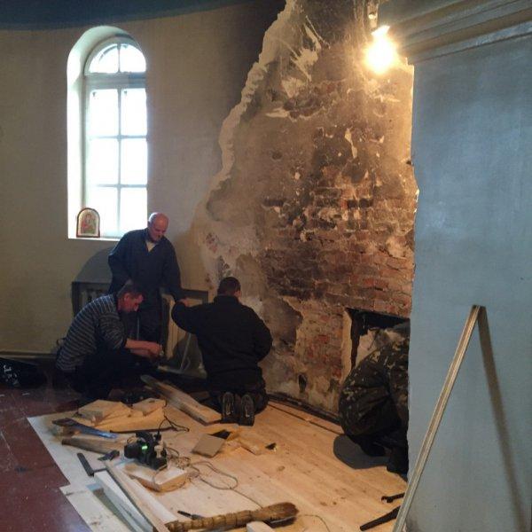 На Рівненщині вандали пограбували церкву (фото) - фото 2