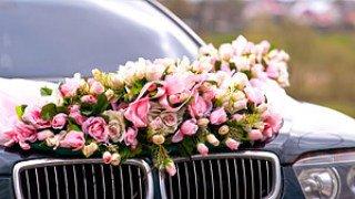 Як власноруч прикрасити весільний кортеж . Весільні тренди ... ba1a3a9a575df