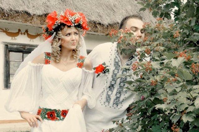Сукня-вишиванка - тренд весільної моди. Весільні тренди. Телеканал ... 85308d75ebe7b