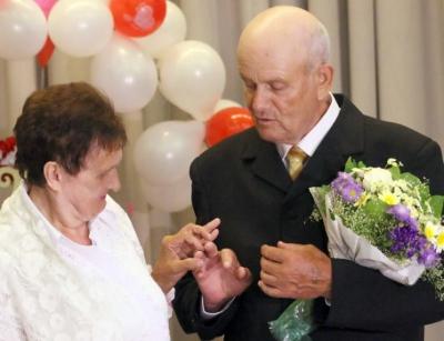 <a href='/Info/?id=82744' >У вінницькому будинку престарілих відгуляли весілля</a>