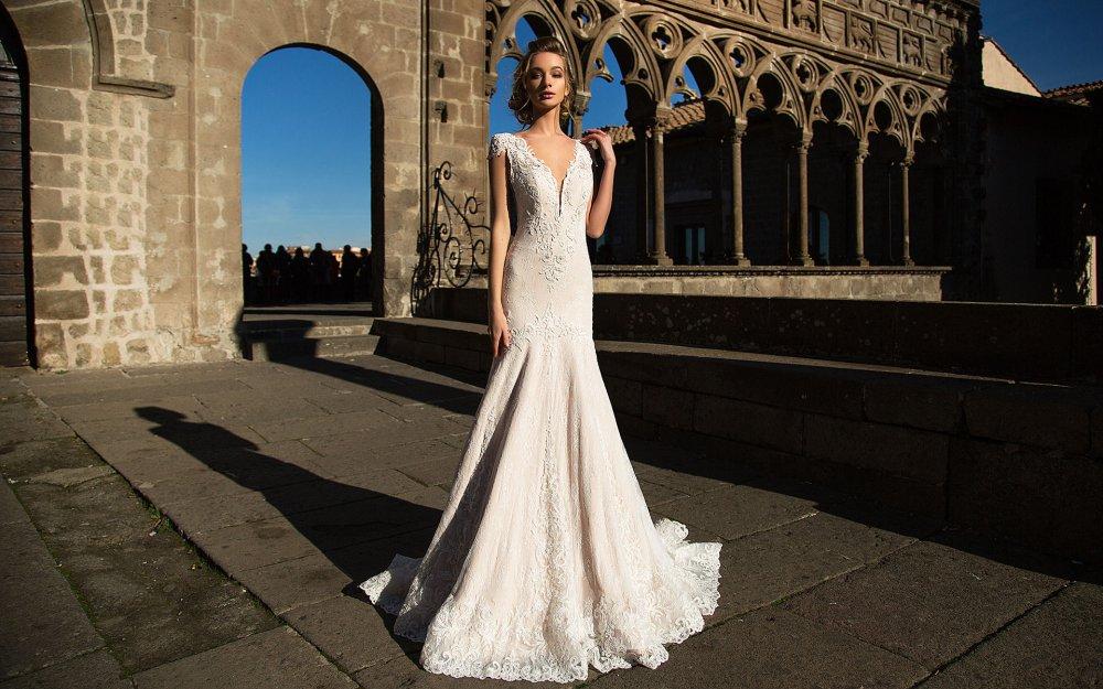 3a8fb8c8e7d9b7 Весільні тенденції 2017: де купити модну сукню за доступною ціною ...