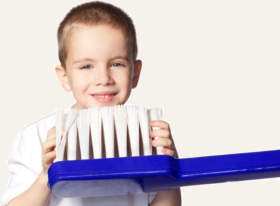 Здорові дитячі зубки: перший візит до стоматолога . Поради стоматолога.  Діти. Здоров'я - Новини Рівного. Відео on-line. Все про телекомпанію -  Телеканал «Рівне 1»